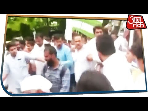 Bihar - Congress demonstration in front of Health Minister's residence on deaths due to spleen fever