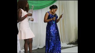 See Mide Martins dancing as she presents an award + Ligther mind blowing performance.
