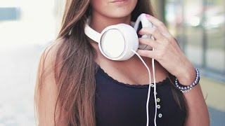 Top 6 Best Lightning Headphone for iPhone and ios Device