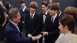 President Moon Jae In recognizes these 3 BTS members at the 'Korea-France Friendship Concert'