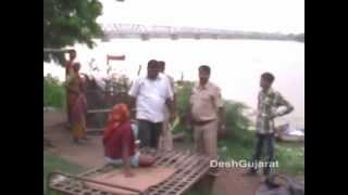 Narmada river crosses danger mark at Golden bridge near Bharuch