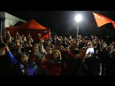 Brazil: Lula supporters hold vigil outside his prison cell