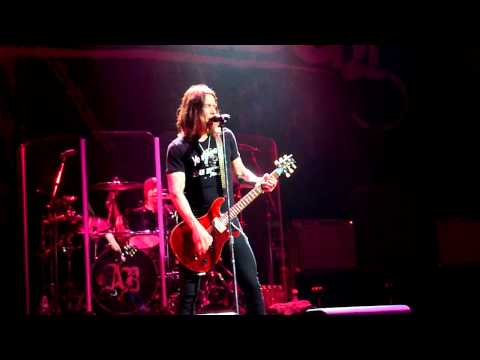 Alter Bridge (Life Must Go On)