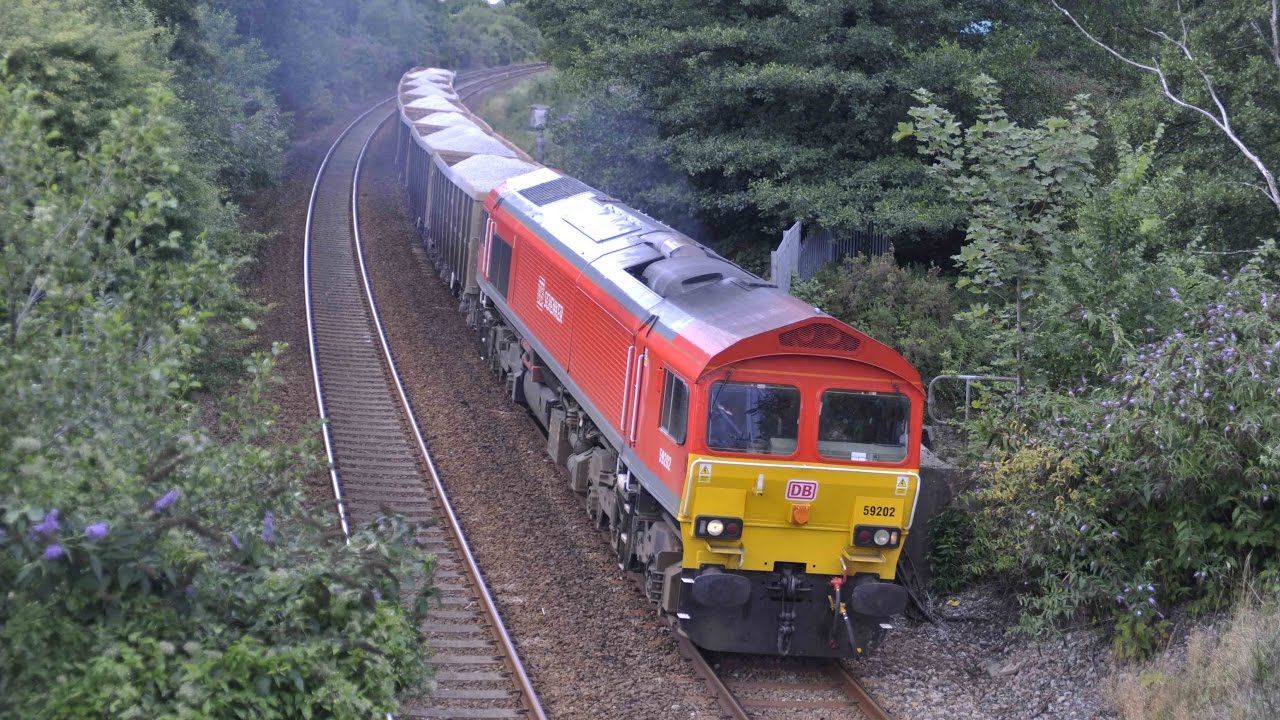 CLASS 59/2 59202 AT PLYMPTON WITH THE 7Z27 1113 BURNGULLOW-EXETER RIVERSIDE  YARD - 19th August 2013