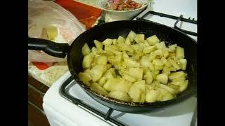 Рецепт вкусная жареная картошка с сосисками