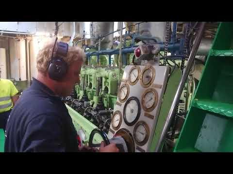 MAK Two stroke marine diesel startup