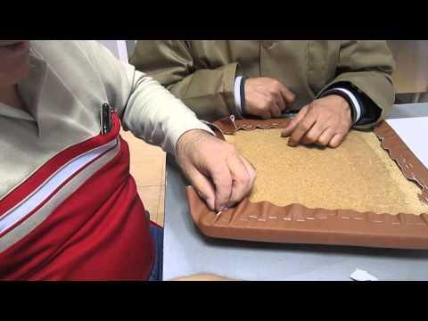 10/03/2015 taller de tapizado de la Asociación Murgi