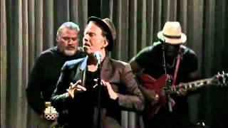 Tom Waits - Raised Right Men Live.