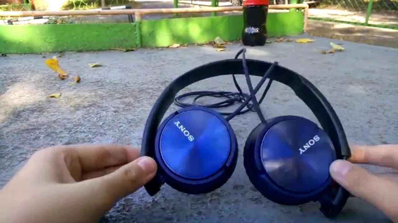 Sony Headphones (MDR-ZX310AP) Review - YouTube