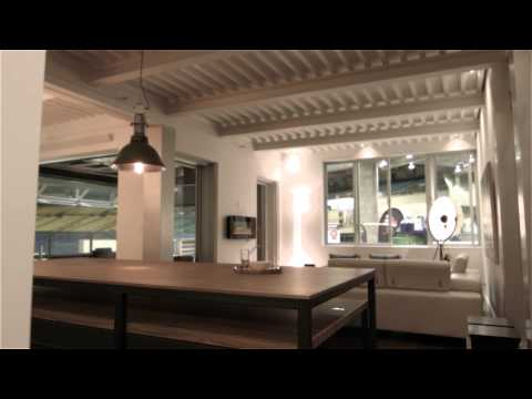 Maison nadine doovi for Mini maison usinee