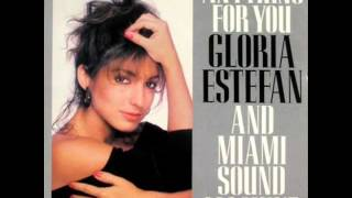 Gloria Estefan and The Miami Sound Machine - Conga (Dance Mix) 480p