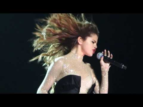 Selena Gomez - Same Old Love (Live Performance, Revival Tour concert in Montreal 2016)