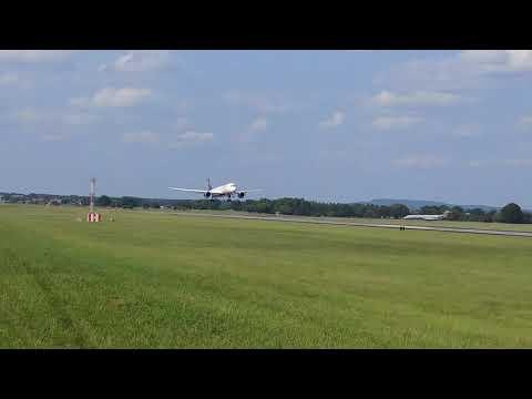 Delta A350 Arrival Into Huntsville