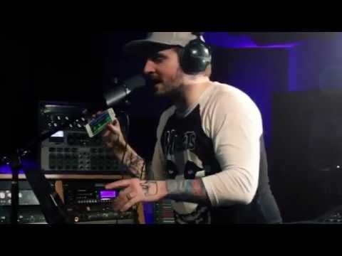 "Mac Lethal ""iPhone Loop Freestyle"" At: Guitar Center"