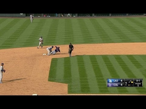 LAD@COL: Howell nabs LeMahieu with pickoff move