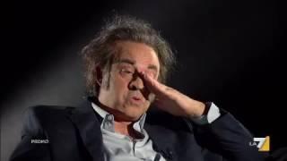 Maurizio Crozza nei panni del regista Premio Oscar 'Paolo Sonlentino'