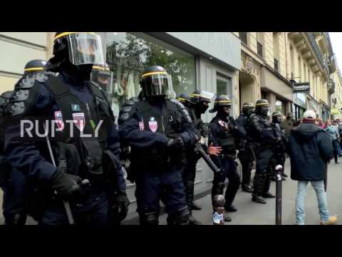 France  Protesters detained as clashes erupt in Paris after Marcon's victory