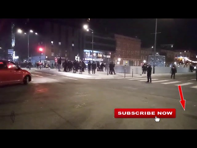 Police having troubles with handcuffs Gilets Jaunes  Yellow Vests Toulouse, 11/01/20, live 3 cut 16