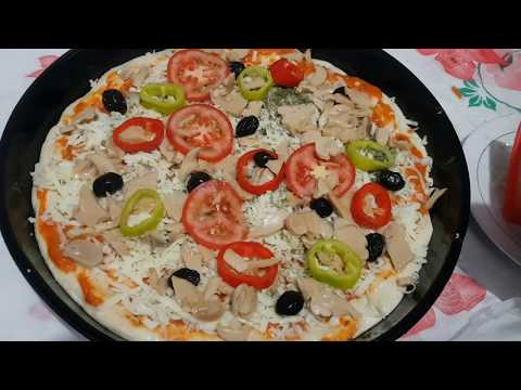 صورة  طريقة عمل البيتزا بيتزا Pizzaالأكلة المفضلة لدى الجميع😋 أسهل طريقة لعمل البيتزا 😍نوعين بل صلصة وبل فطر👌🤗💞 طريقة عمل البيتزا من يوتيوب