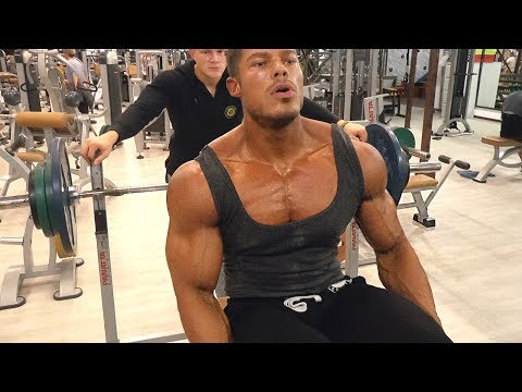 CRUSHING CHEST WITH KANE - Classic Bodybuilding