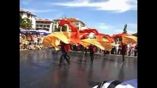 Grupa Aglaja tańczy do muzyki Arama Chaczaturiana.AVI