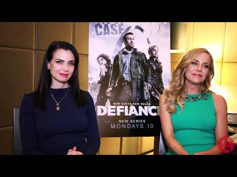 Mia Kirshner and Julie Benz chat about 'Defiance'