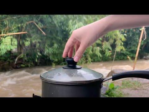 Riverside Picnic : Vegan Chickpea Stew