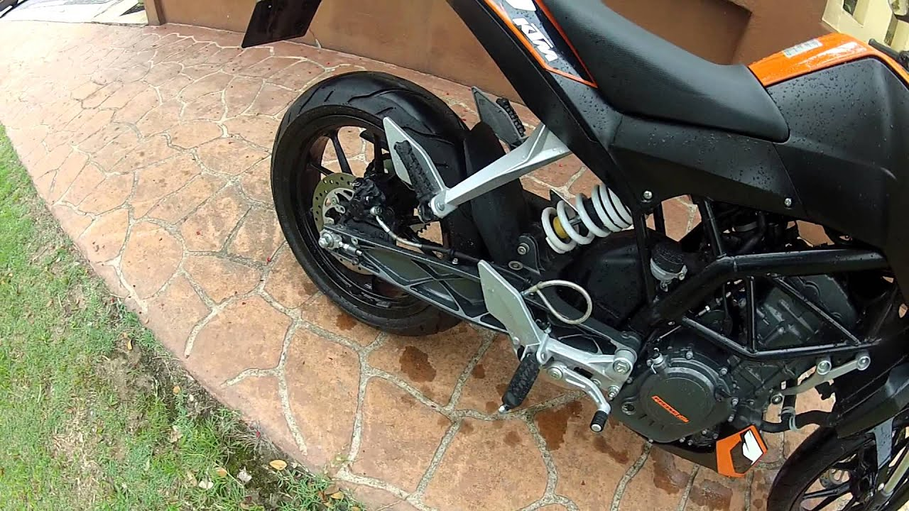 ktm duke 200 sound with modified stock exhaust. - youtube