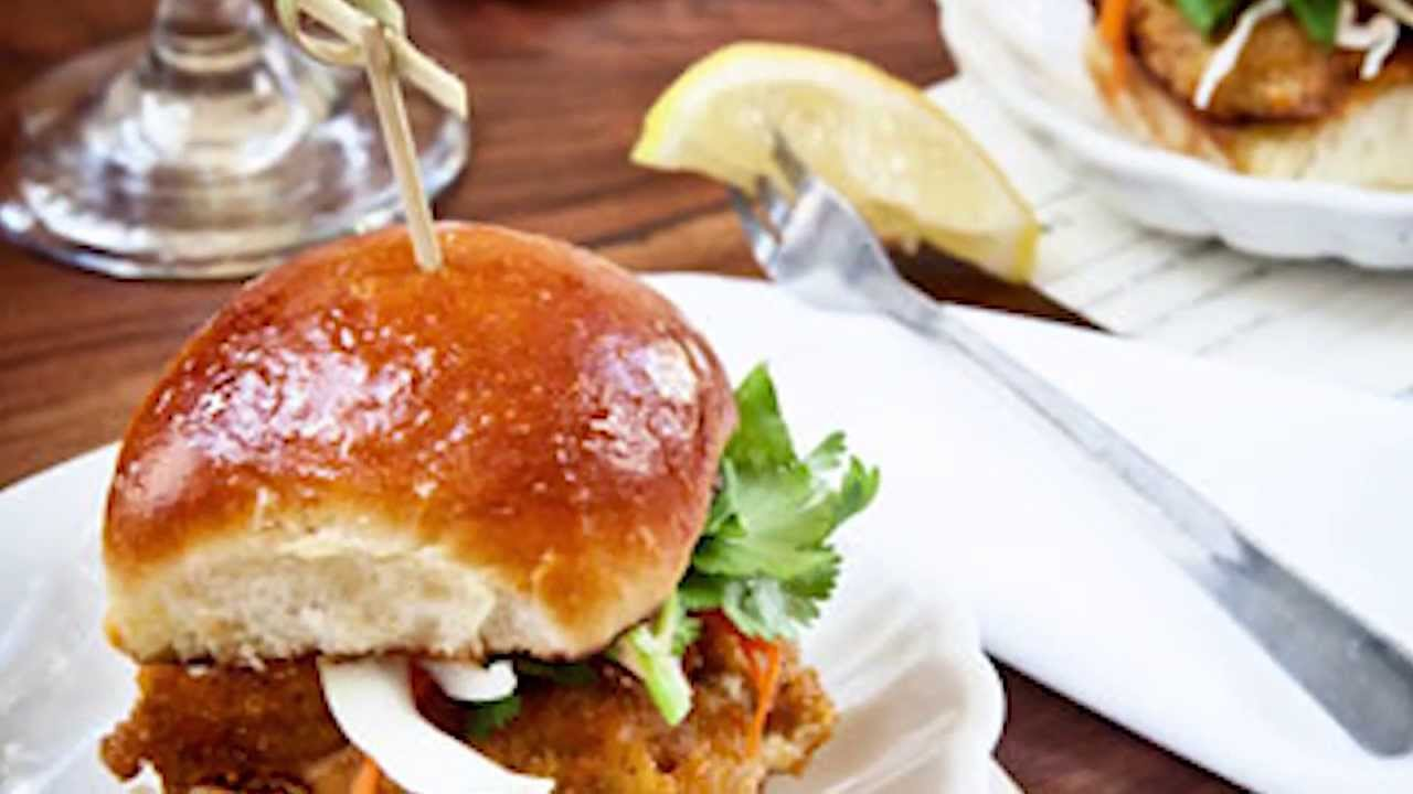 Oyster Sliders @ The Ordinary in Charleston, SC. - YouTube