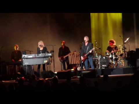 Buckingham Mcvie - Feel About You  Nashville  6/23/2017