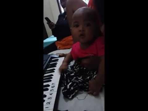 Kiandra Desyana umur 4 bulan belajar pianika