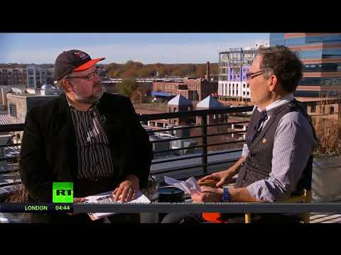 Keiser Report: 'Manufactured Homes' (E1160)