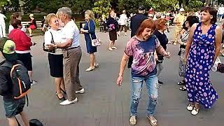 Танцы на Приморском бульваре - Севастополь - 25.05.19 - Певец Сергей Соков