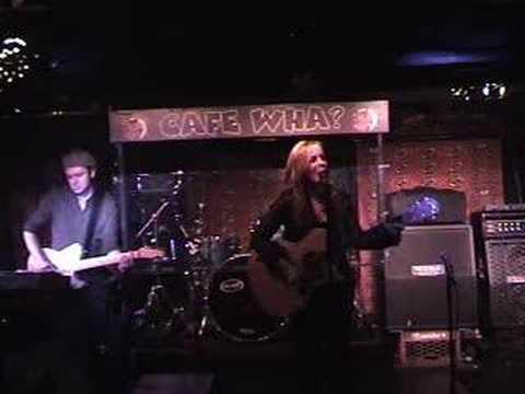 Cari Cole performs
