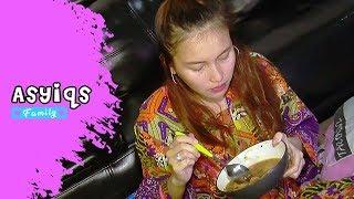 Video Asyiqs Family: Hamil Tua, Ayu Ting Ting Lahap Makan Bakso - Episode 79 download MP3, 3GP, MP4, WEBM, AVI, FLV September 2018