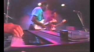 Play T-Bone Shuffle (Live)