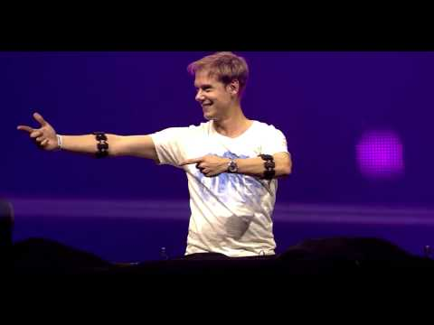 Dash Berlin ft. Roxanne Emery - Shelter (Armin Van Buuren live)
