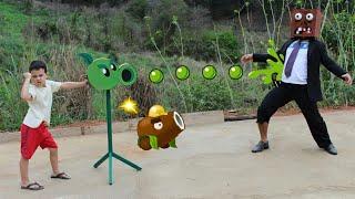 APARECEU UM ZUMBI NO NOSSO QUINTAL!!! Plants vs Zombies