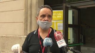 Presidente de tribunal dice que estudiantes podrán quitarse mascarilla en examen