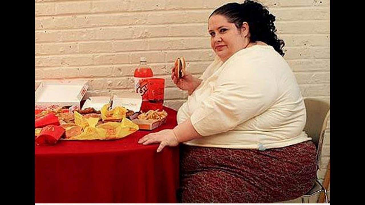 Толстая и сын ебется, Порно: жирная мама и сын занимаются сексом в комнате 15 фотография