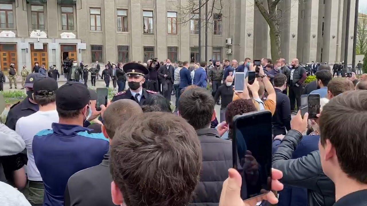 Коронавирус . Владикавказ вышел на митинг против самоизоляции. Филин задержан . Беларусь митинг.