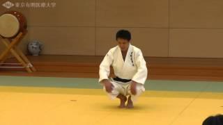 柔道 後方受身の指導法(3) 蹲踞(そんきょ)から 蹲踞の姿勢とは 検索動画 17