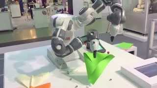 2015 Automation exhibition with ABB Yumi and papercraft(full edition) 機器人 紙飛機 折紙飛機 自動化展