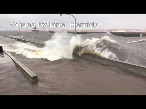 Canal Park Duluth Minnesota - Gale Force Winds Generate Large Waves