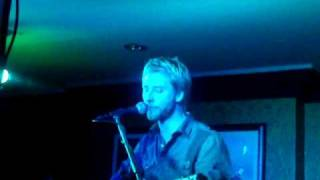 Chesney Hawkes performing I