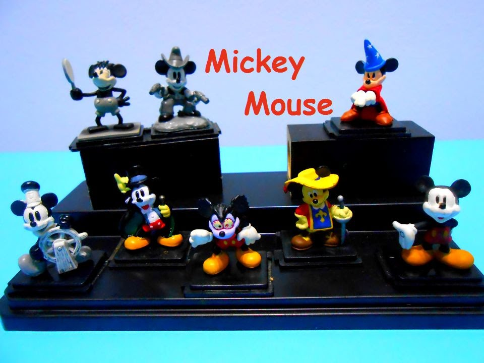 Mickey Mouse Mini Figurine collection case Wizard Cowboy Knight ...