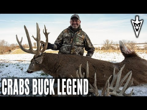 The Legend of Crabs, Rutting Buck At 10 Yards | Midwest Whitetail