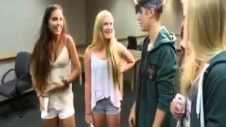 (смотреть с 0:5)Это видео доказывает что Джастин Бибер не пидор!(Смотреть всем!)(, 2013-08-26T13:28:42.000Z)