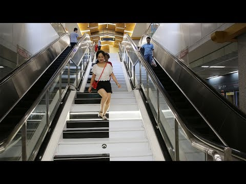 Piano stairs in NW China add fun to people's daily commute