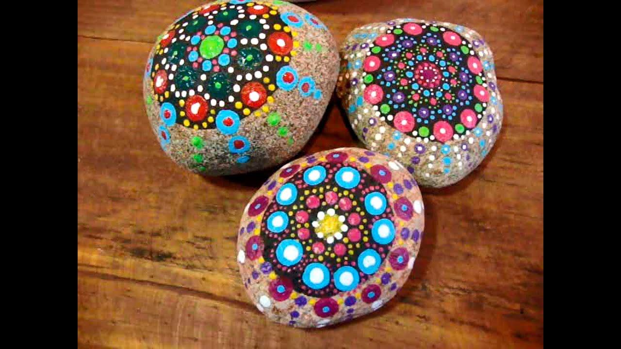 Pedra Pintada à Mão Com Desenho De Mandala!